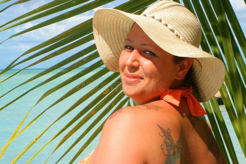 Tropische strandvrouw royalty-vrije stock fotografie
