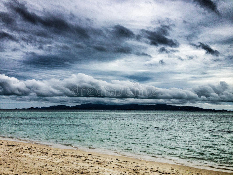 Tropische Sturmwolken stockfotos