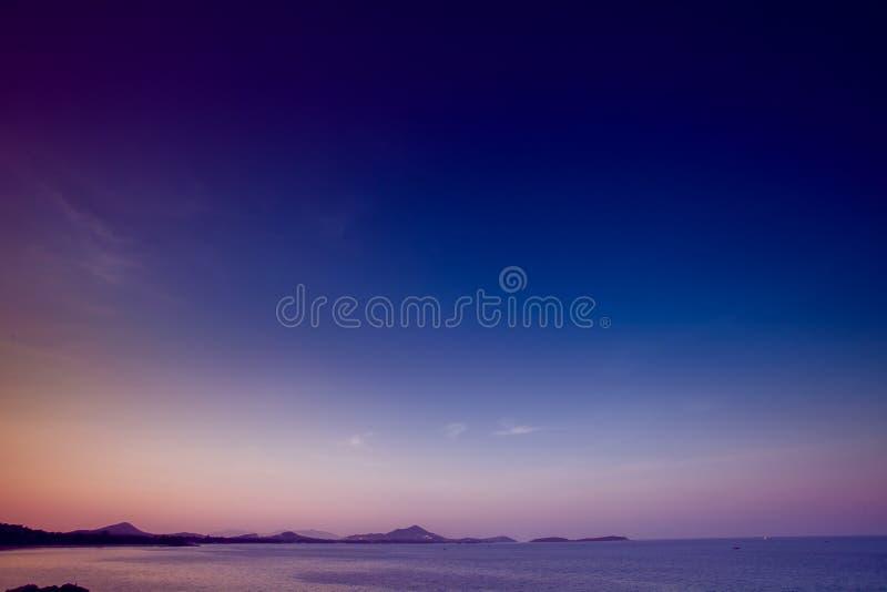 Download Tropische Zonsondergang stock foto. Afbeelding bestaande uit mooi - 54087860