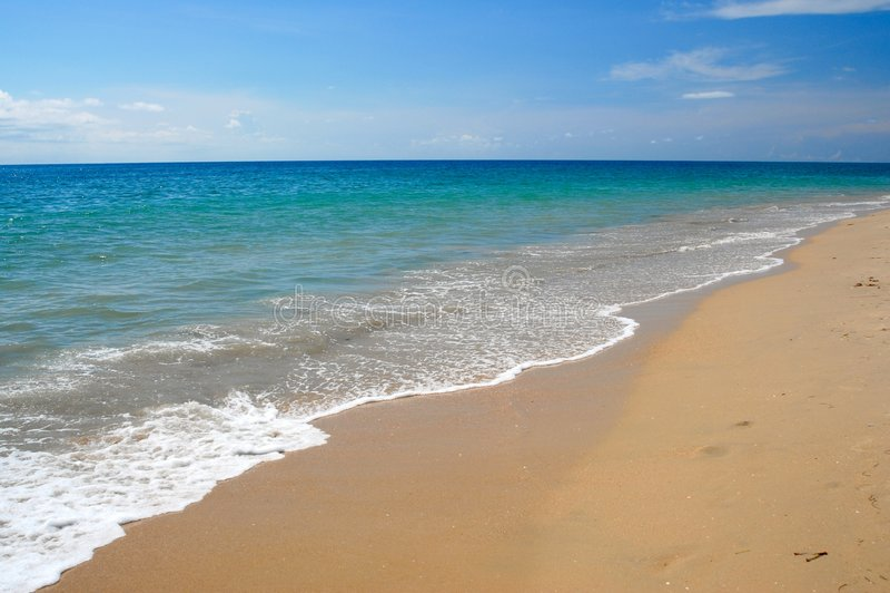 Tropischer karibischer Strand lizenzfreie stockbilder