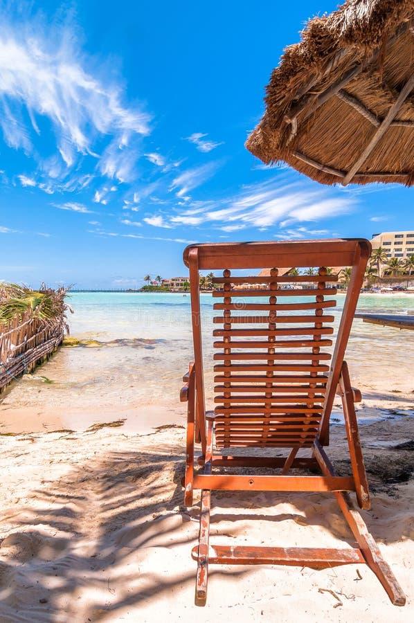 Tropischer Strand und Meer in Isla Mujeres, Mexiko lizenzfreies stockfoto