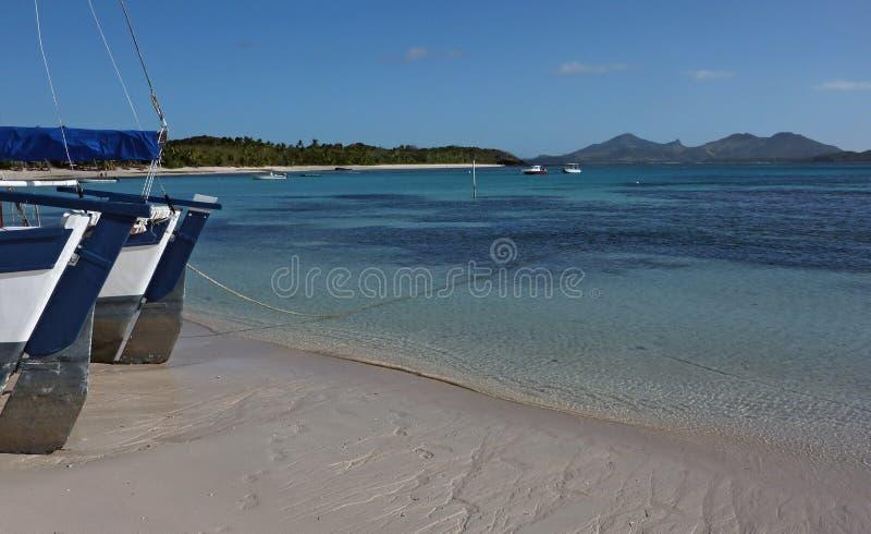 Tropischer Strand von Fidschi-Insel lizenzfreies stockbild