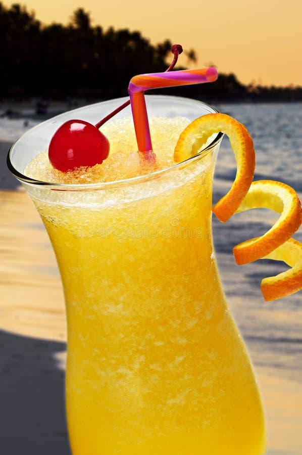 Tropisches Orangensaftgetränk stockfoto