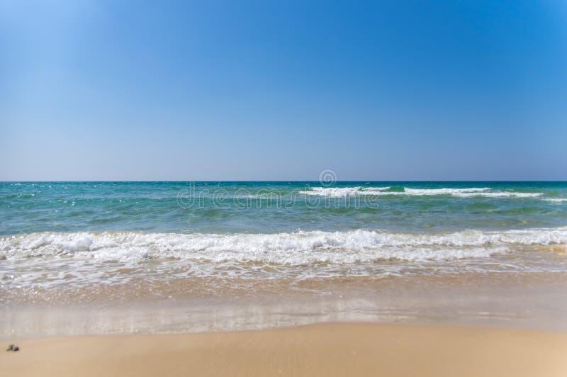 Tropisches Strandurlaubsort f?r entspannen sich lizenzfreies stockfoto