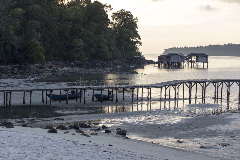 Tropisk ö i Cambodja royaltyfria bilder
