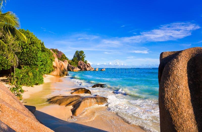 tropisk argent källa för strand D seychelles arkivfoto