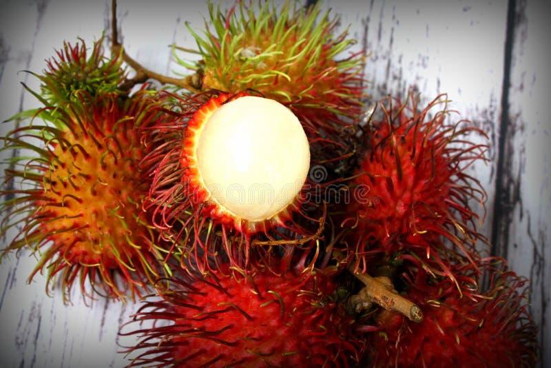 Tropisk frukt för Rambutan arkivfoton