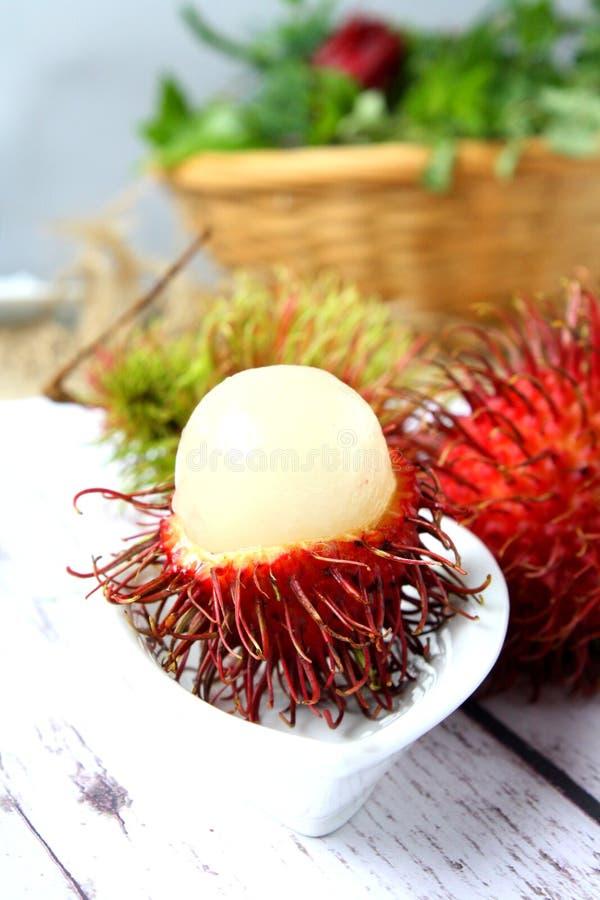 Tropisk frukt för Rambutan royaltyfria foton