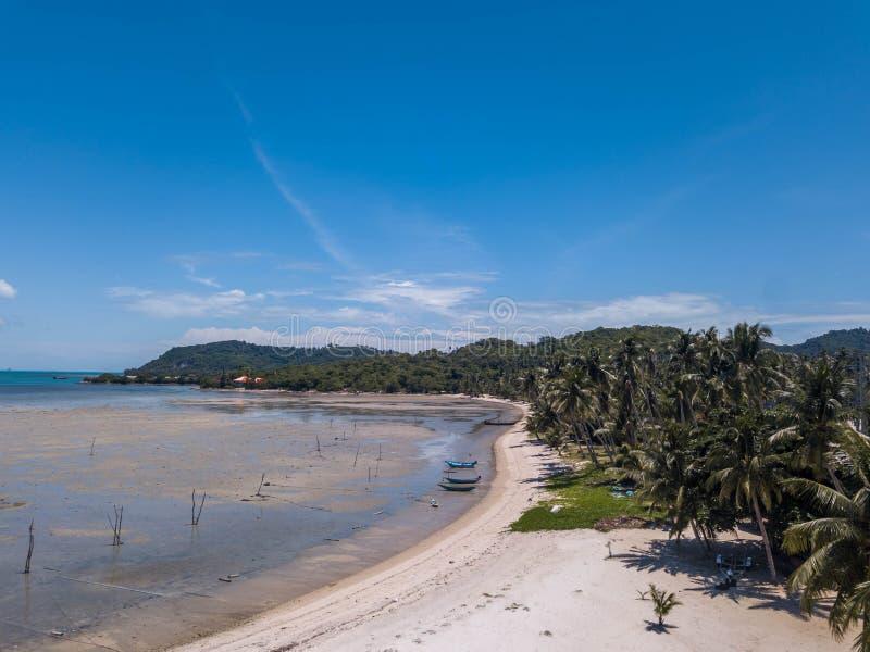 Tropisk kust på den Samui ön i Thailand, flyg- sikt royaltyfri fotografi