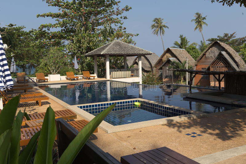 Tropisk semesterort i Thailand royaltyfria foton