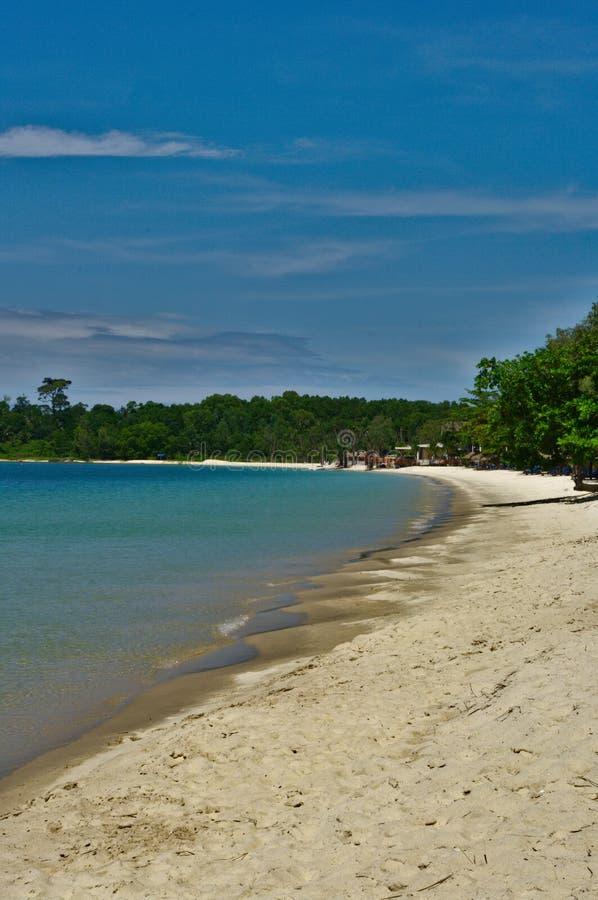 Tropisk strand på Cambodja arkivbild