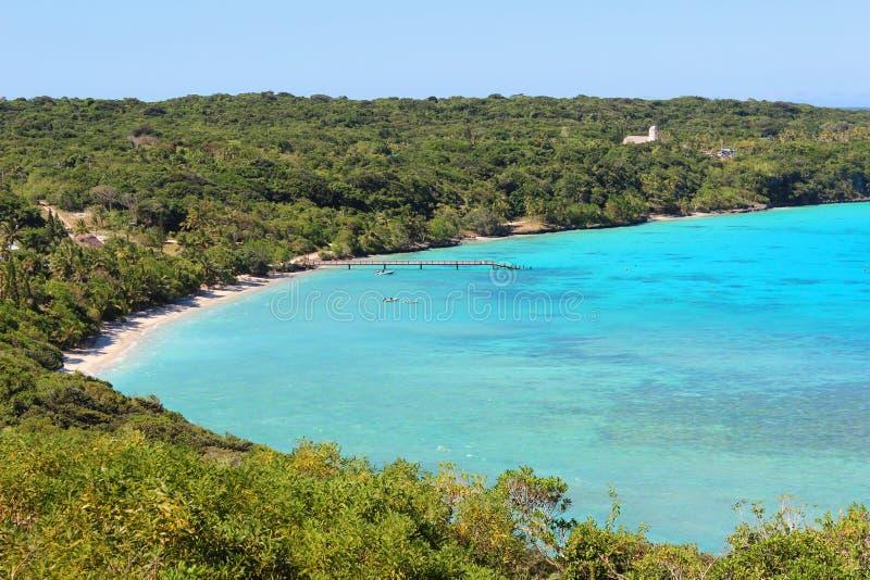 Tropisk strand på den Lifou ön, Nya Kaledonien fotografering för bildbyråer