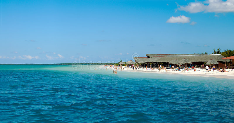 tropisk strandpanorama royaltyfria bilder
