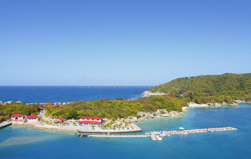 tropisk strandsemesterort royaltyfri foto