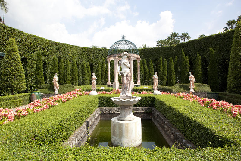 Tropisk trädgård arkivfoton