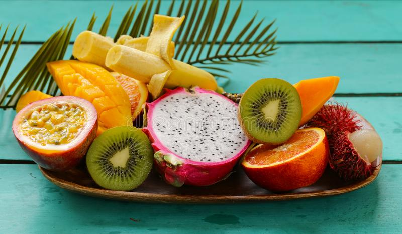 tropiska nya frukter royaltyfri fotografi