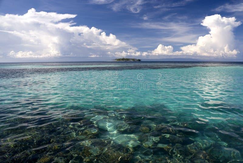 tropiskt öppet hav för ö royaltyfria foton