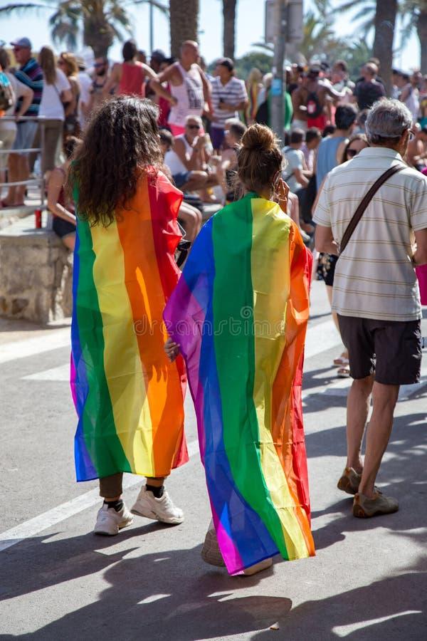 Trots van de lesbische, vrolijke, biseksuele en transsexueelmensen in de straten van Sitges, Spanje op 17 Juny, 2018 royalty-vrije stock foto