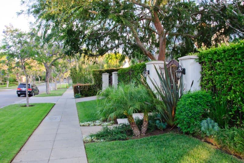 Trottoar på beverly hillls i Kalifornien royaltyfria bilder