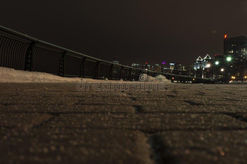 Trottoir nuit L'hiver images libres de droits