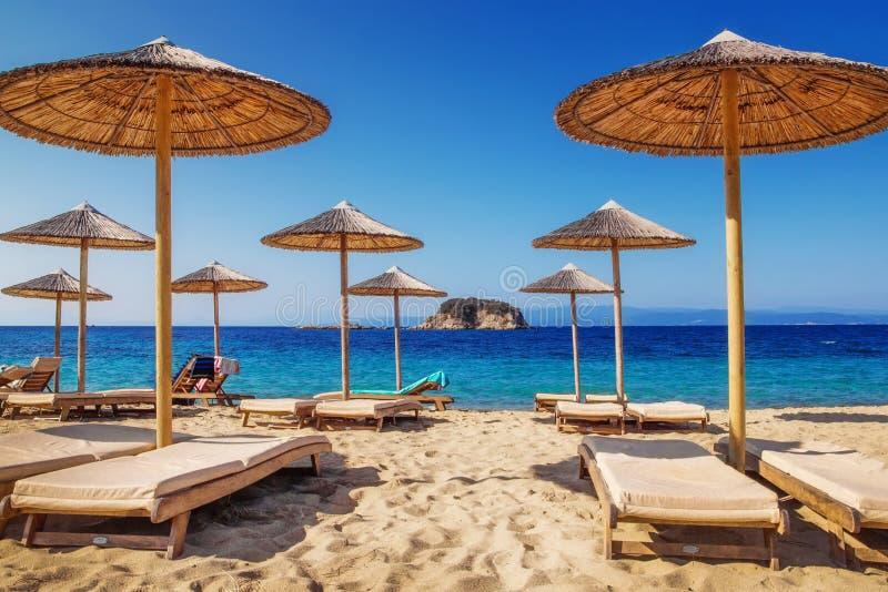 Troulos-Strand, Skiathos, Griechenland lizenzfreie stockbilder
