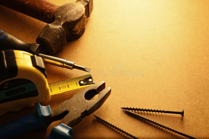 Trousse à outils à la maison d'entretien photographie stock