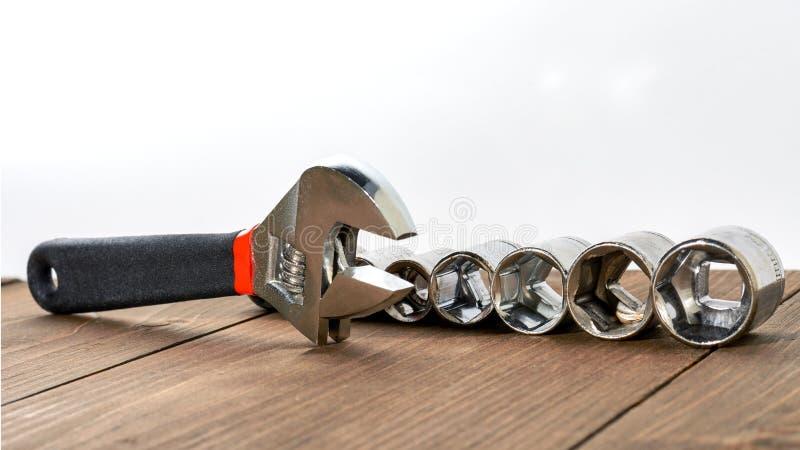 Trousse d'outils de diverses clés Copiez l'espace toned photos stock