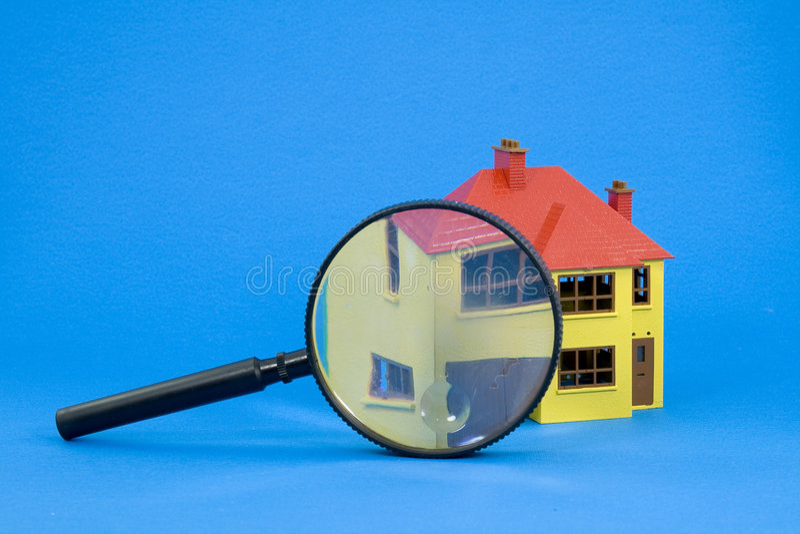 Trouvez une maison images stock