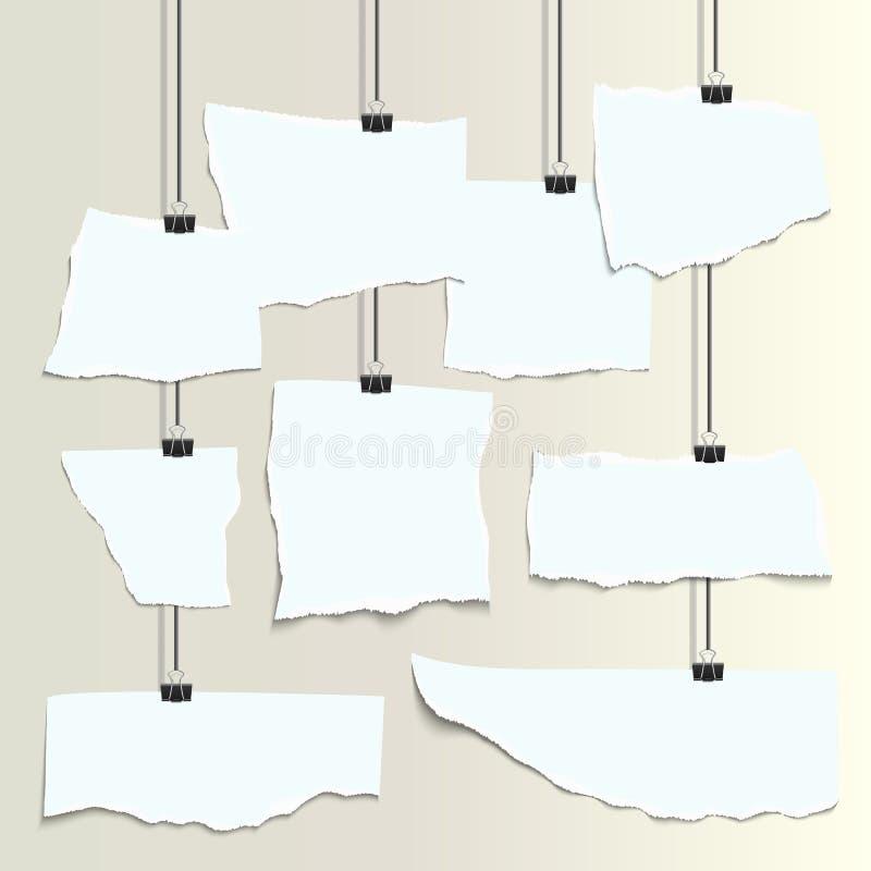 Trozos de papel realistas blancos vacíos con el borde rasgado ilustración del vector