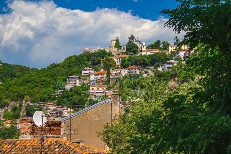 Trsat Castle em uma colina em Rijeka, Croácia fotografia de stock