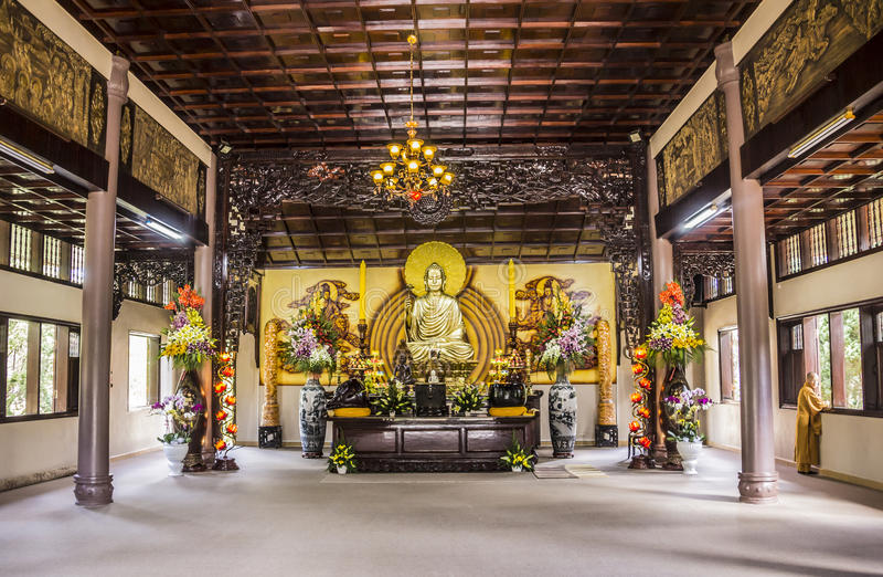 Truc Lam Pagoda fotografering för bildbyråer