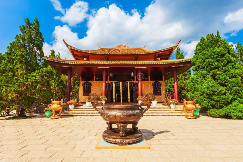 Truc Lam Temple i Dalat royaltyfri fotografi