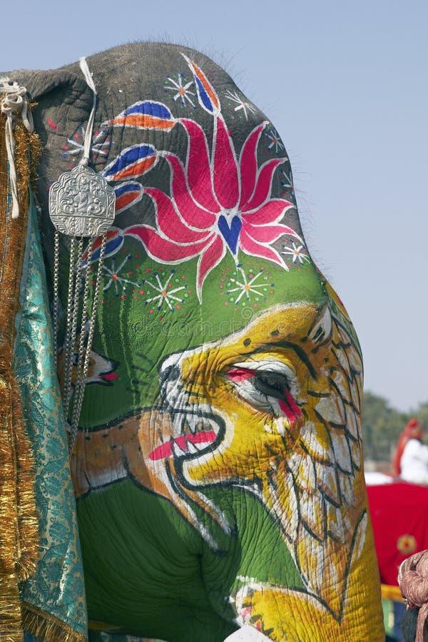 Trucco da portare dell 39 elefante immagine stock immagine - Elefante foglio di colore dell elefante ...