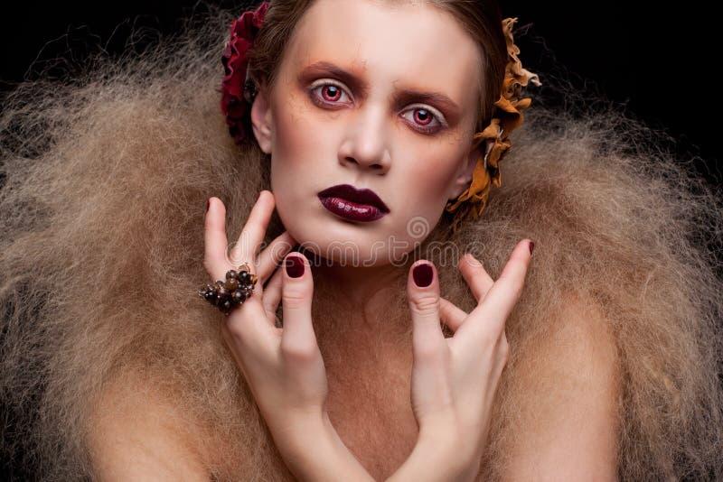 Trucco della donna di bellezza di Halloween fotografie stock libere da diritti