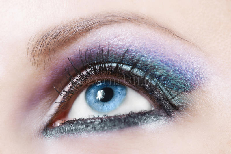 Trucco viola e blu immagine stock
