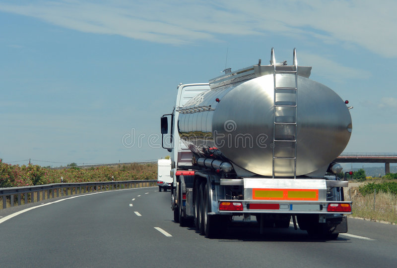 truck δεξαμενών στοκ εικόνα με δικαίωμα ελεύθερης χρήσης