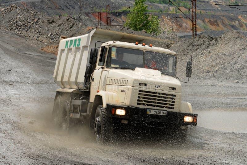 truck θάλασσας εκσκαφέων απορρίψεων στοκ εικόνες