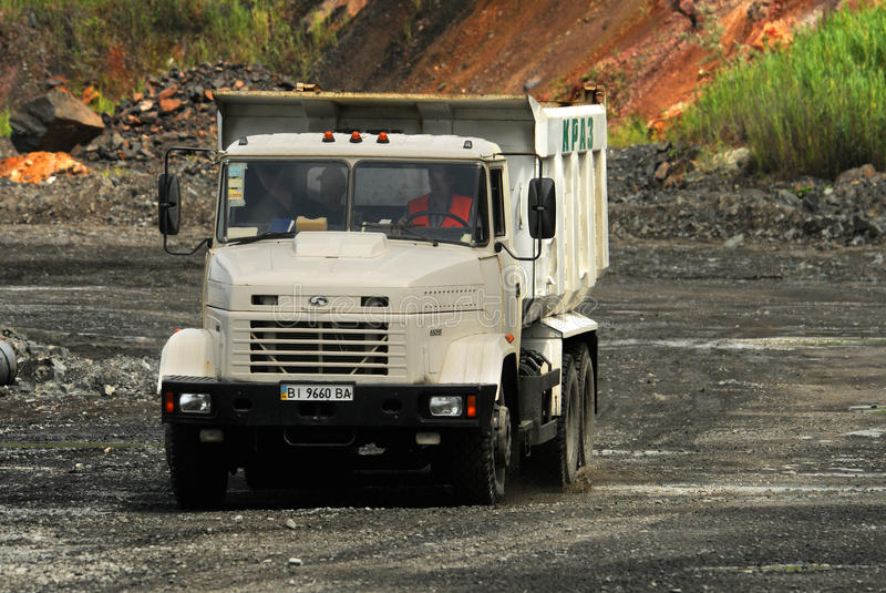 truck θάλασσας εκσκαφέων απορρίψεων στοκ εικόνα