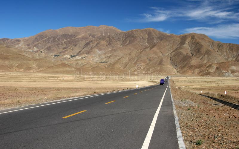 Truck σε μια εθνική οδό στοκ εικόνες
