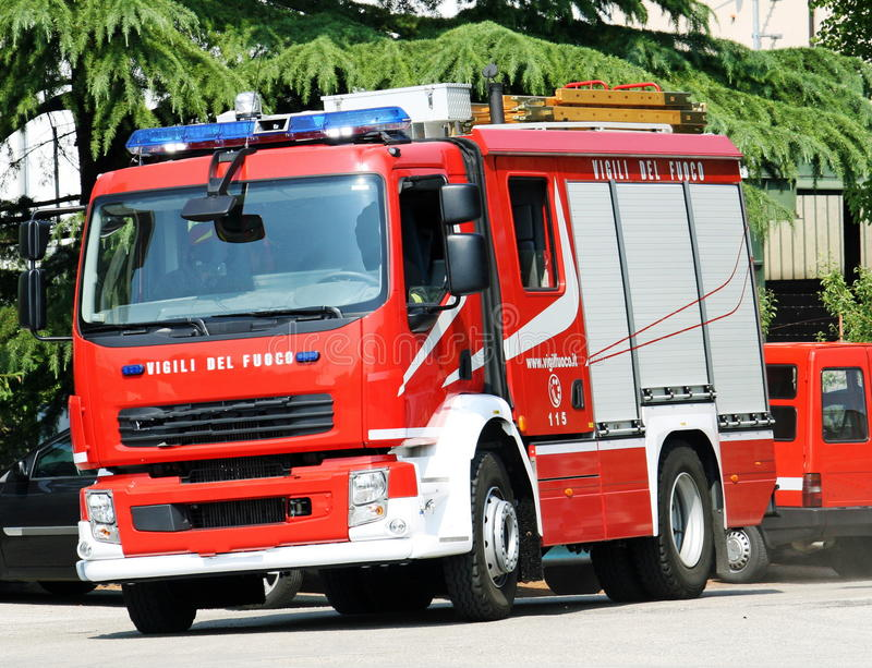 Download Truck Firemen During A Fire Extinguishing Editorial Stock Image - Image: 23185484