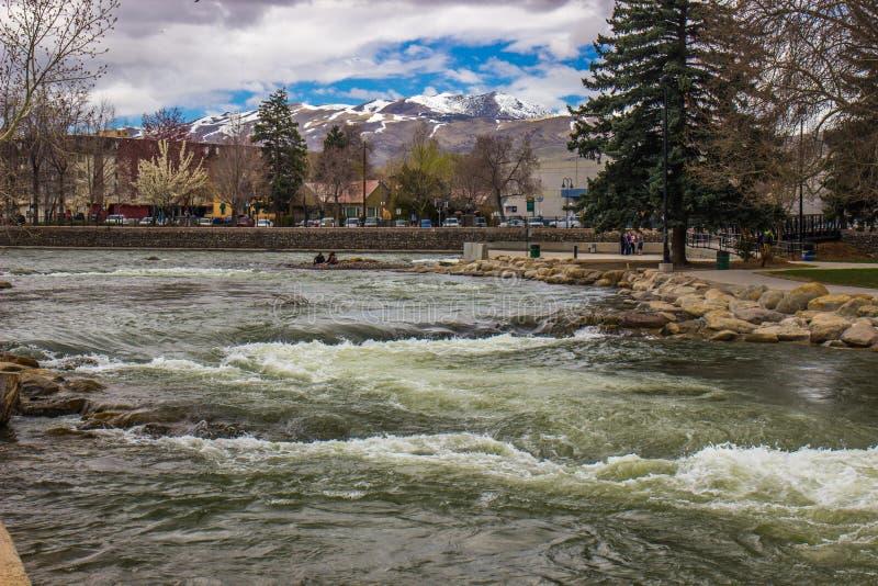 Truckee rzeka W wiośnie obraz stock