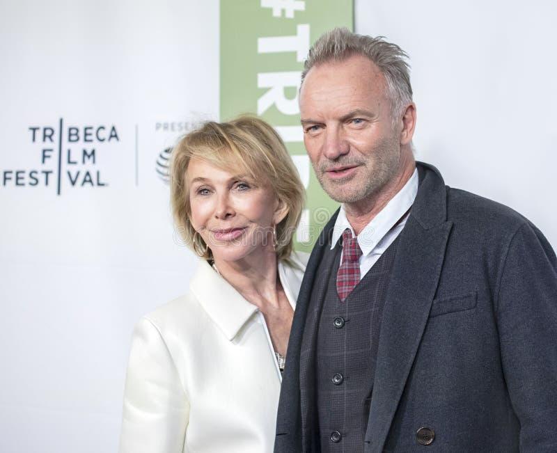 Trudie Styler et Sting au trente-cinquième anniversaire de CECI EST PONCTION LOMBAIRE au festival 2019 de film de Tribeca photographie stock
