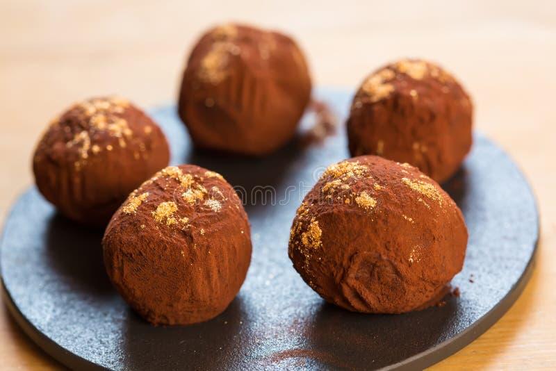 Trufas de chocolate deliciosas fotos de stock royalty free