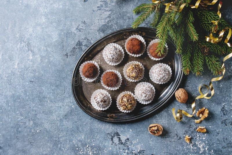 Trufas de chocolate do Natal imagem de stock royalty free