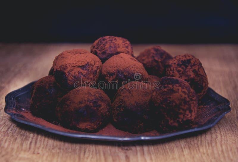 Truffels del chocolate del partido fotografía de archivo