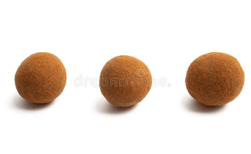 Trufle czekoladowe z orzechami zdjęcie stock