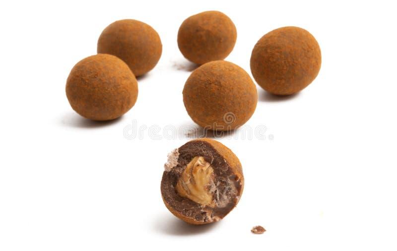 Trufle czekoladowe z orzechami zdjęcia royalty free