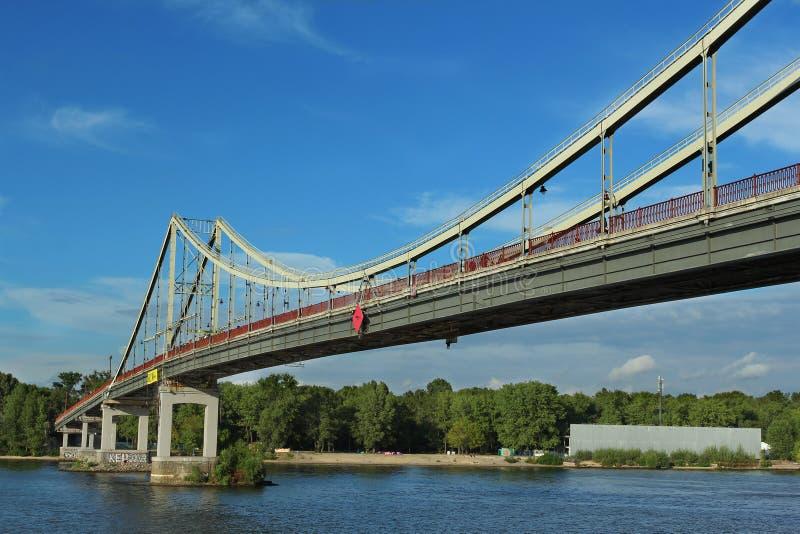 Trukhahiv bro i Kiev arkivbilder
