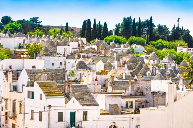 Trulli Alberobello typowi domy Apulia, Włochy obrazy stock