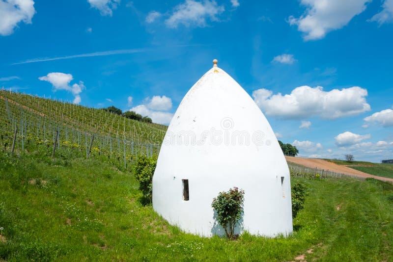 Trullo of rond huis in Flonheim, Rheinhessen, Rijnland-Pfalz, Duitsland stock fotografie